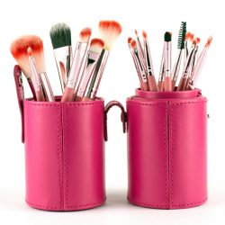 BEAUTIES FACTORY - Cilindo con 18 brochas PINK GAGA